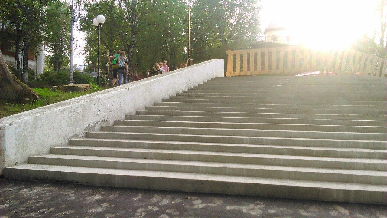 Сыктывкарцы встревожены отсутствием пандусов на новых лестницах в Кировском парке