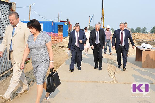 Полпред президента в СЗФО Владимир Булавин проинспектировал строительство школы на 1200 мест в Сыктывкаре