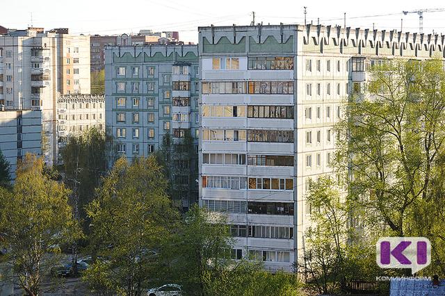 В Ухте жильцы одной из пятиэтажек пожаловались на трупный запах