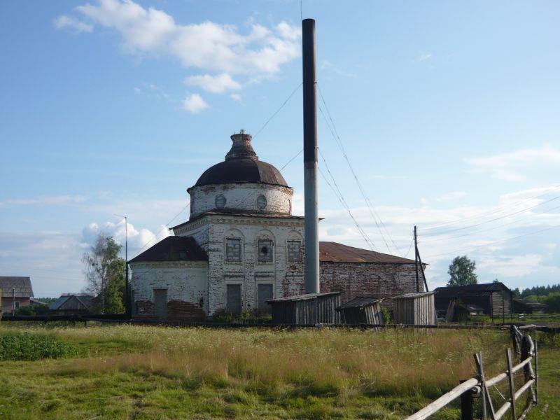 В Подъельске  восстанавливают храм Живоначальной Троицы