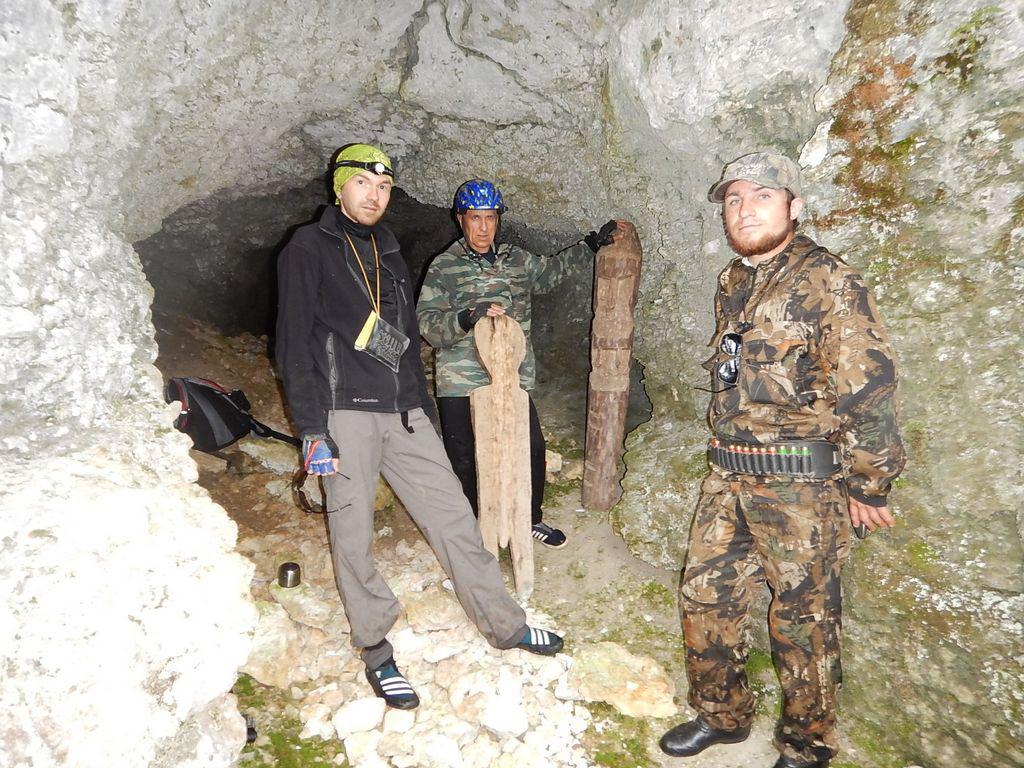 Ухтинский велосипедист преодолел 100 километров по болотам ради загадочной пещеры
