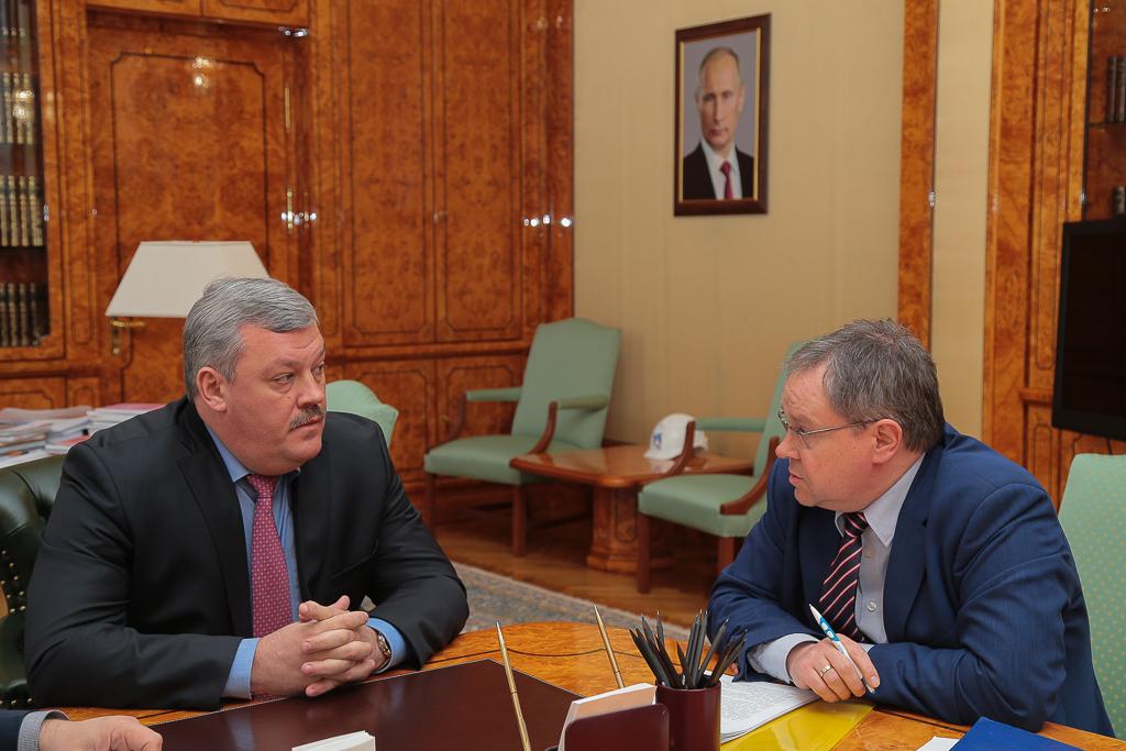 Сергей Гапликов обсудил с мэром Сыктывкара вопросы переселения из аварийного жилья