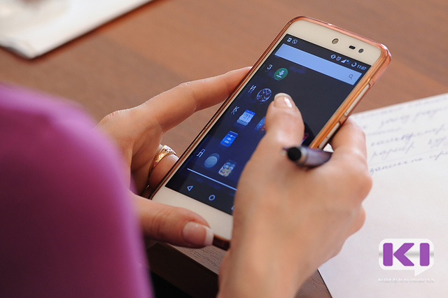 В Коми сотовые телефоны становятся ресурсом для похитителей денег