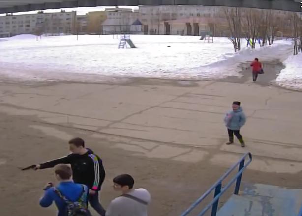 В Усинске в отношении стрелявшего из пистолета школьника возбуждено уголовное дело