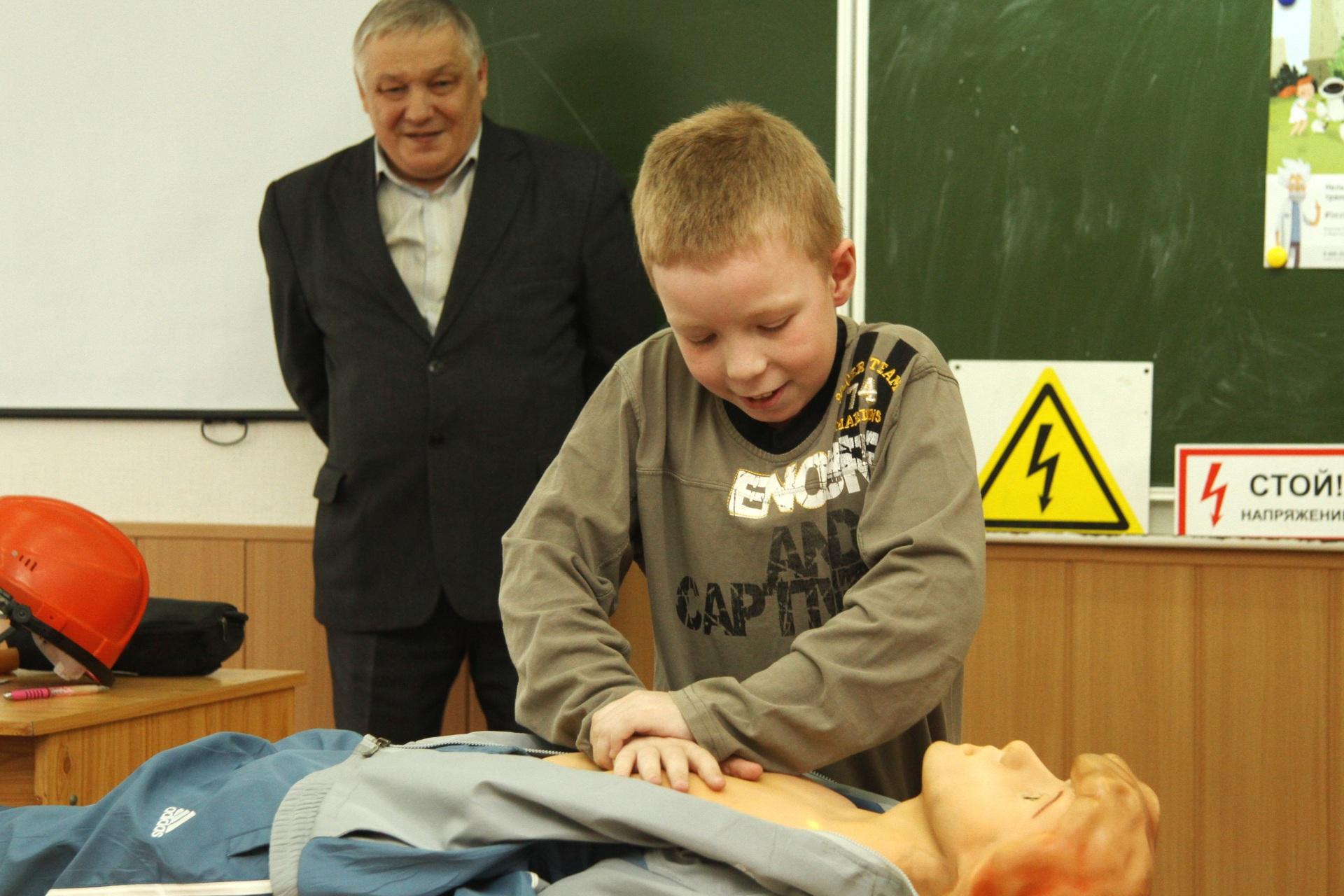 Специалисты Комиэнерго напомнили школьникам о безопасном обращении с электричеством