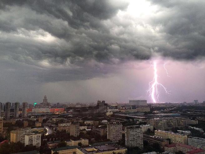 Сыктывкарка, оказавшаяся в эпицентре московского урагана: