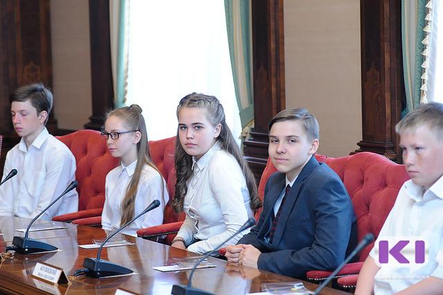 14-летние школьники Коми на полчаса почувствовали себя членами регионального правительства