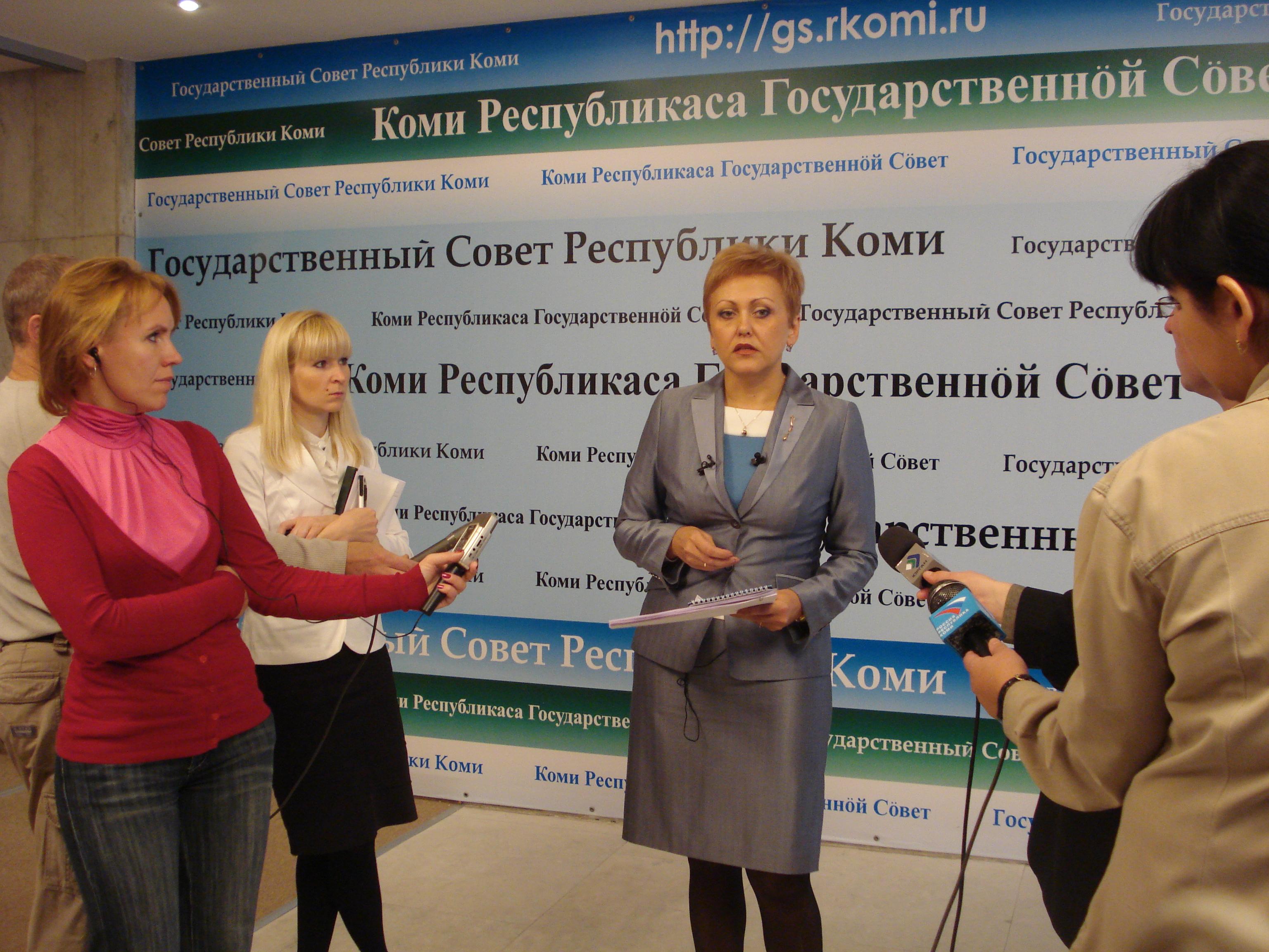 Марина Истиховская первой отдежурила в интернет-приемной Путина