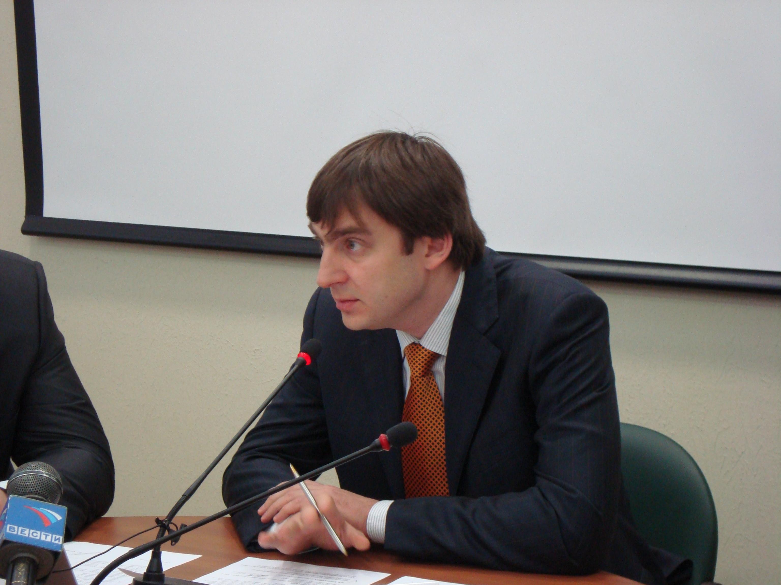 Проблемы с пассажирскими перевозками в Сыктывкаре будут решать сообща