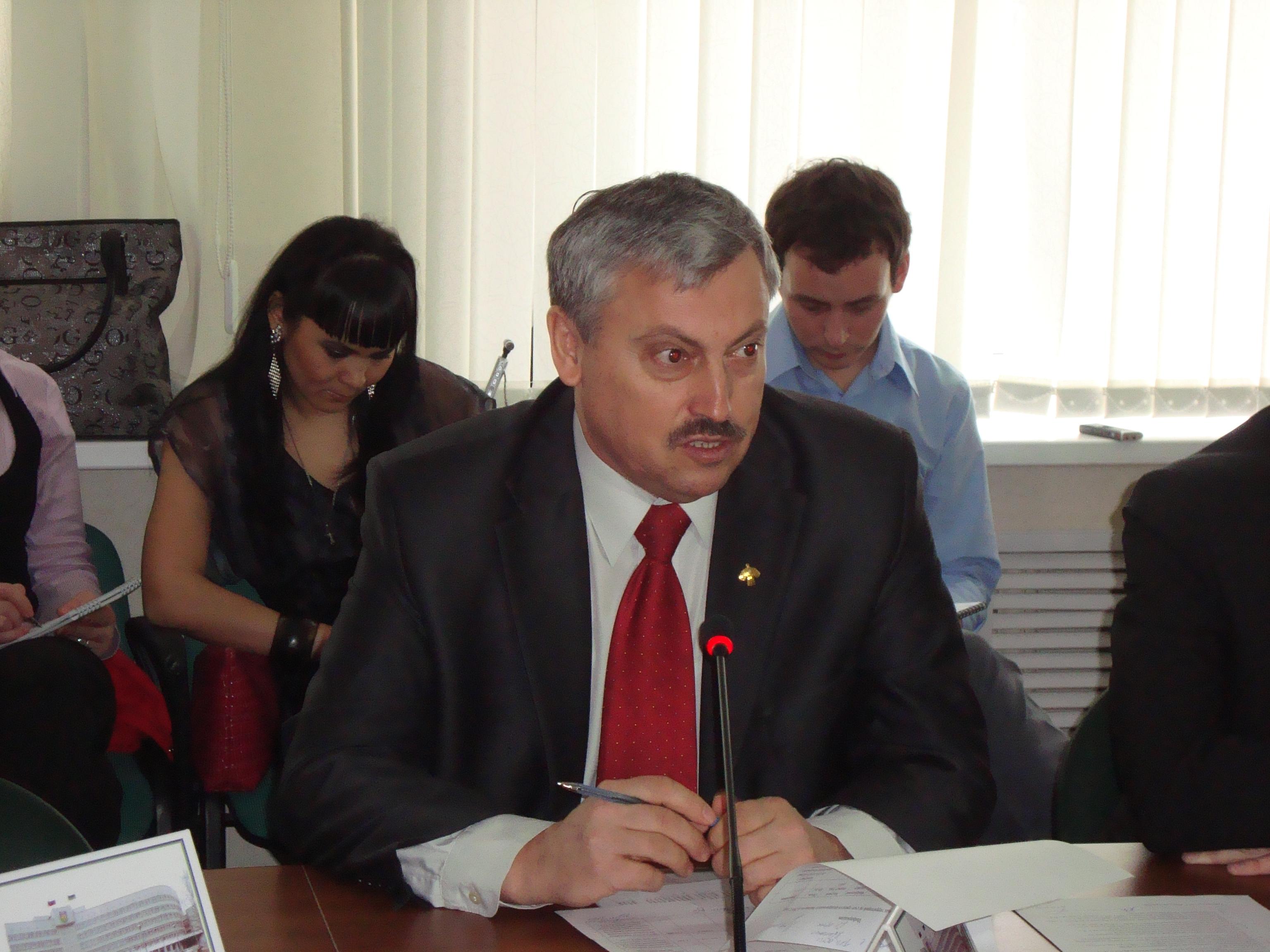 437 млн. рублей уйдет на ремонт дорог и дворов в Сыктывкаре этим летом