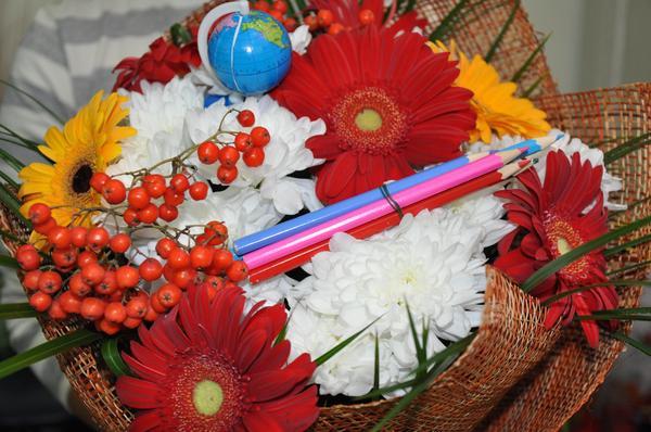 Комиинформ Сыктывкарцы заказывают своим детям оригинальные букеты первоклассника (фото)