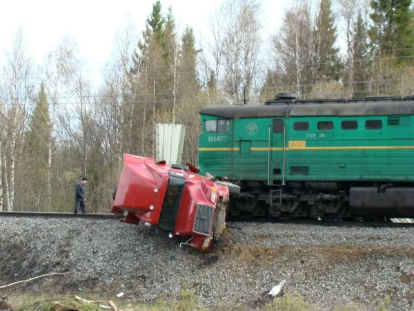 В этом году на железнодорожных переездах Коми произошло 10 ДТП