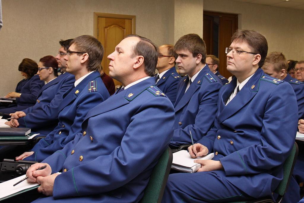 Прокуратуру Коми тревожат факты незаконного многократного вынесения решений об отказе в возбуждении уголовного дела