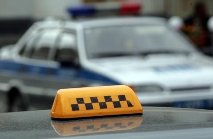 В Сыктывкаре пассажиры угрожали таксисту пистолетом