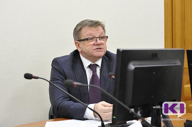 Андрей Самоделкин в пух и прах разнес коммунальщиков за аварию на водопроводных сетях в Эжвинском районе