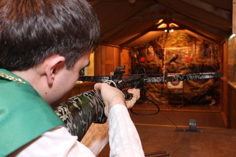 В Вуктыле за кражу винтовок и арбалета судят юных робин гудов