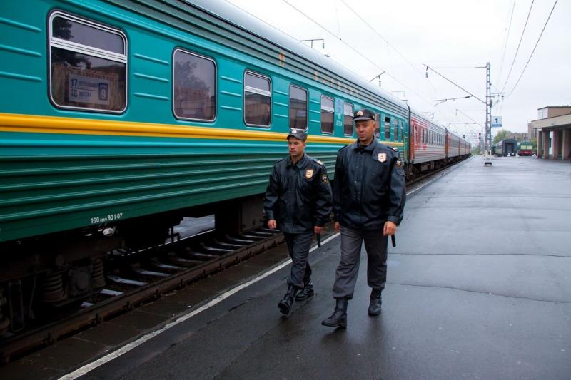 Транспортная полиция Коми отмечает профессиональный праздник
