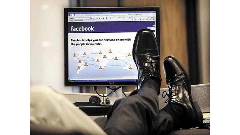 Правительство прорабатывает вопрос о запрете на пользование соцсетями