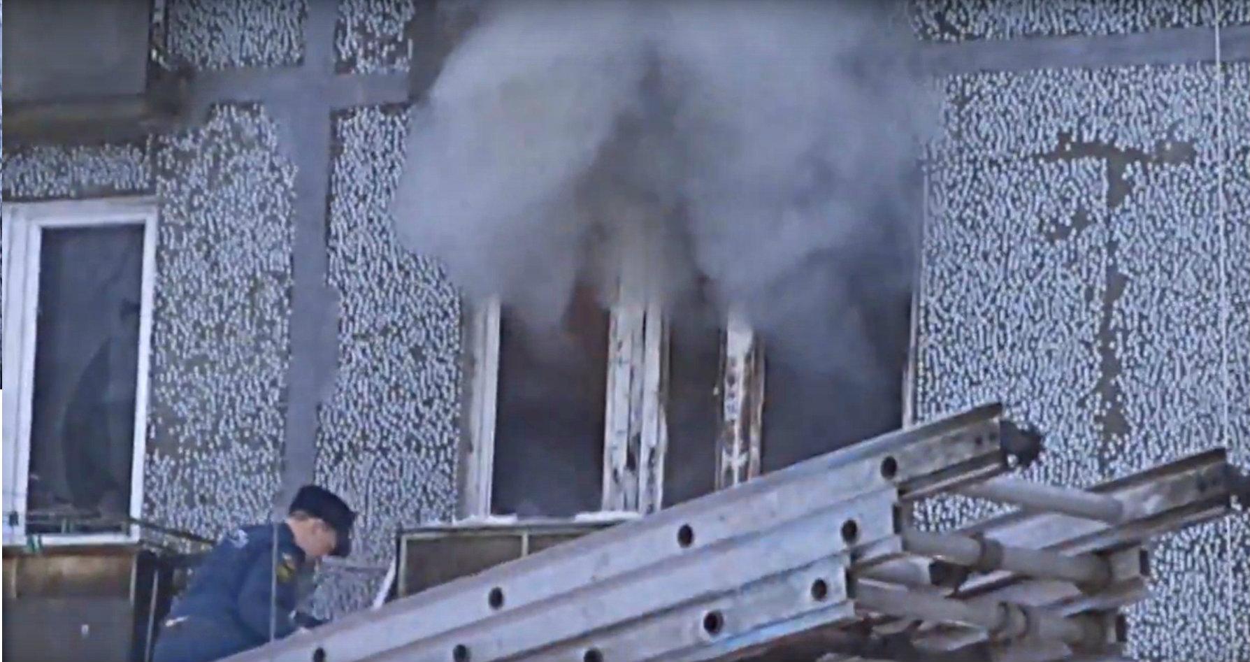Следователи не исключают криминальную причину пожара в Сыктывкаре