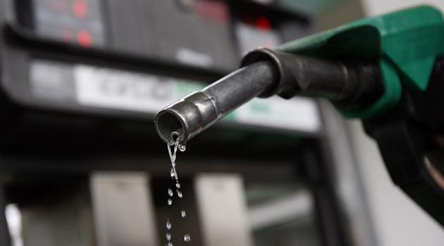 Бензин в Мурманской области подорожал на 30 копеек