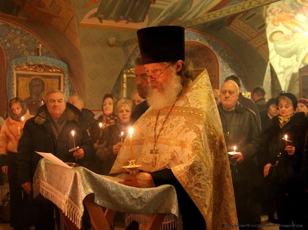 В московском храме отслужили панихиду по погибшим в Воркуте горнякам и спасателям