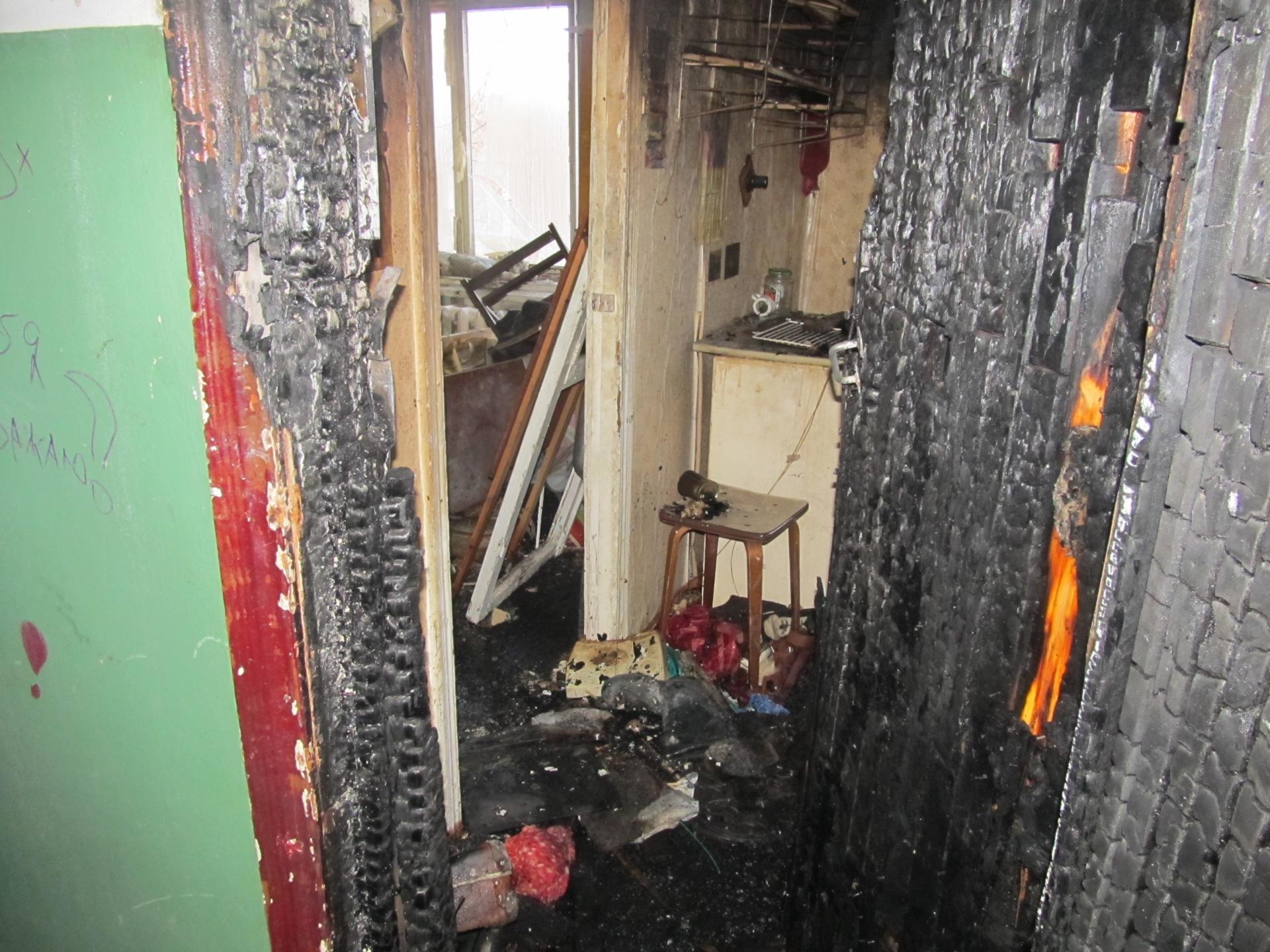 В Вуктыле из горящей пятиэтажки эвакуировались 17 жильцов