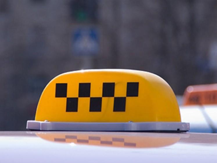 Сергей Гапликов выступил за ускорение принятия поправок в законодательство, направленных на защиту пассажиров такси