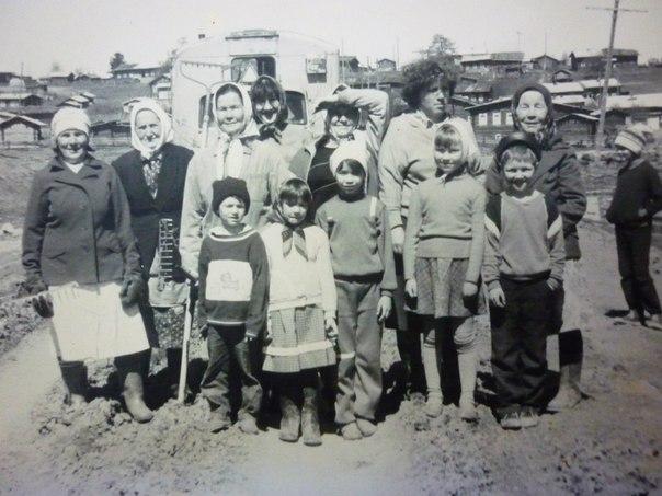 Бадьёльский библиотекарь взялась описать историю многодетных матерей своего села