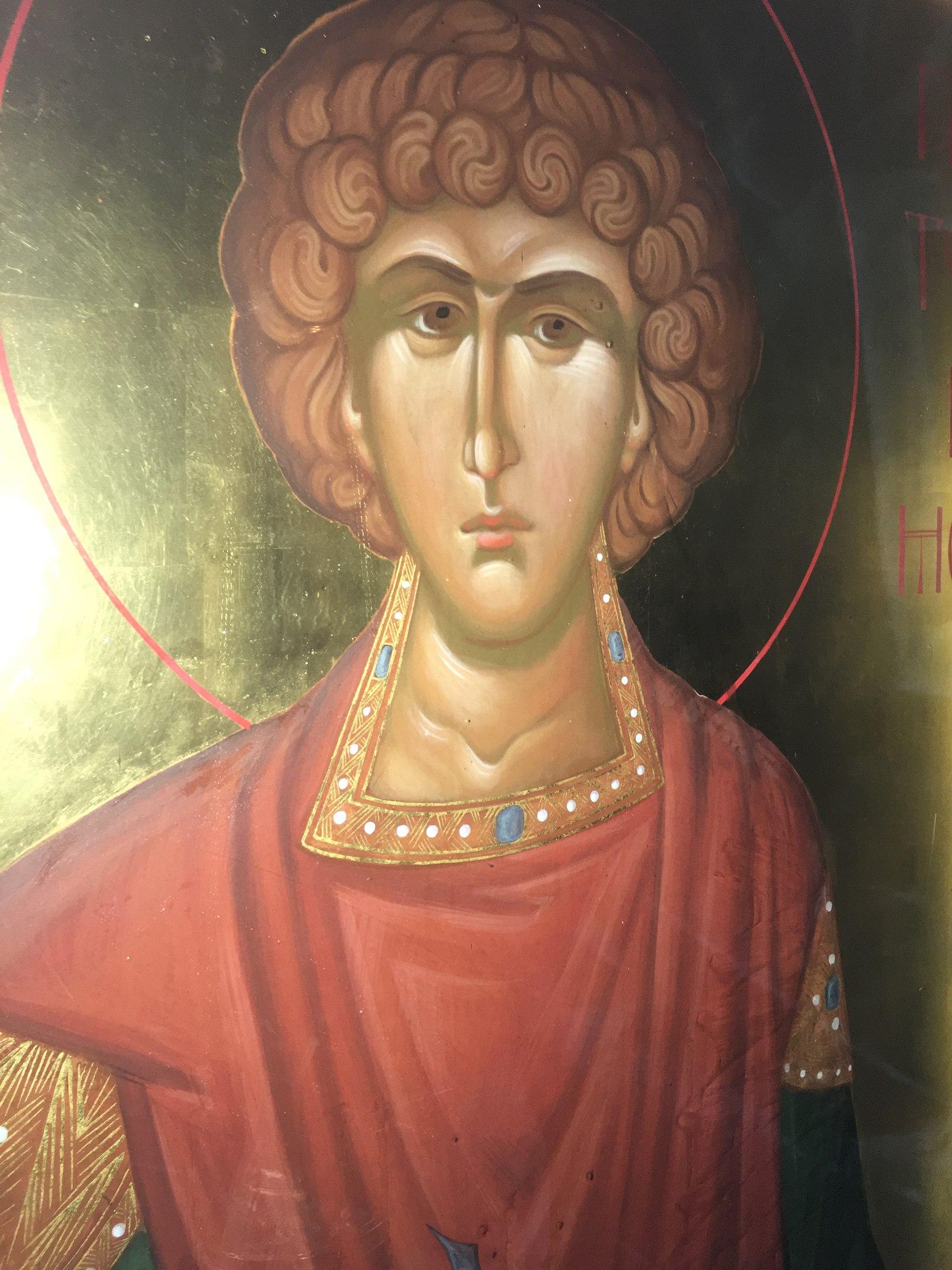 В главном соборе Коми мироточит икона Пантелеймона-целителя