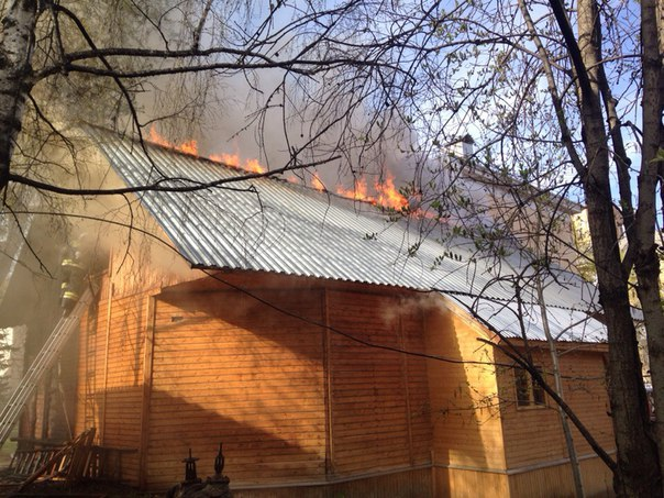 В Сыктывкаре загорелся центр народной культуры коми-ижемцев