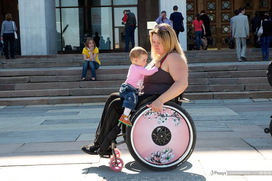Ухтинка пишет пособие для беременных женщин-колясочниц