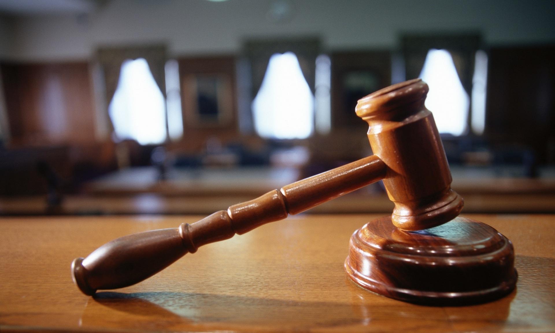 В Сыктывкаре судят двух школьников