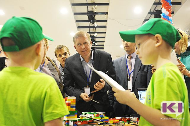 Более 120 команд Коми соревнуются в производстве роботов