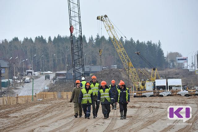 Зарплата рабочих в России доходит до 120 тысяч рублей