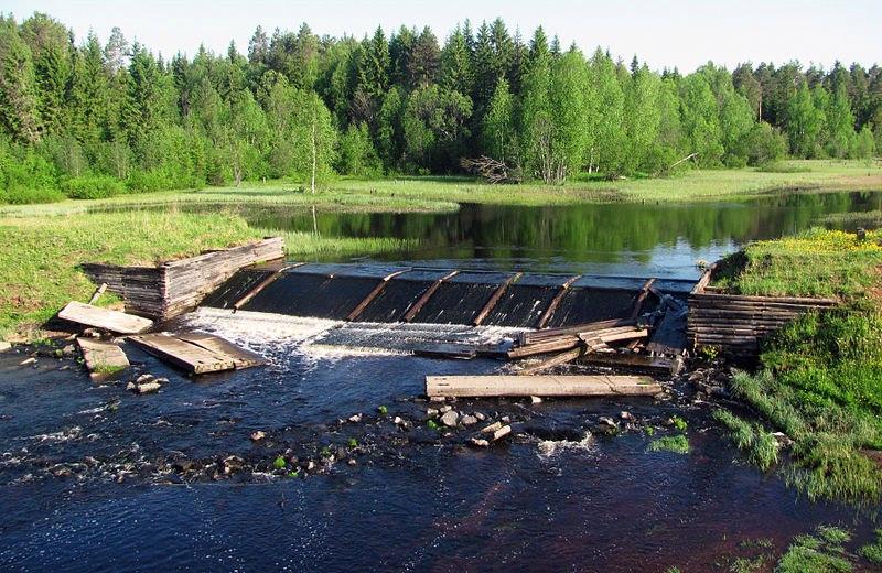 Ледоход разрушил дамбу на Нювчимском водохранилище