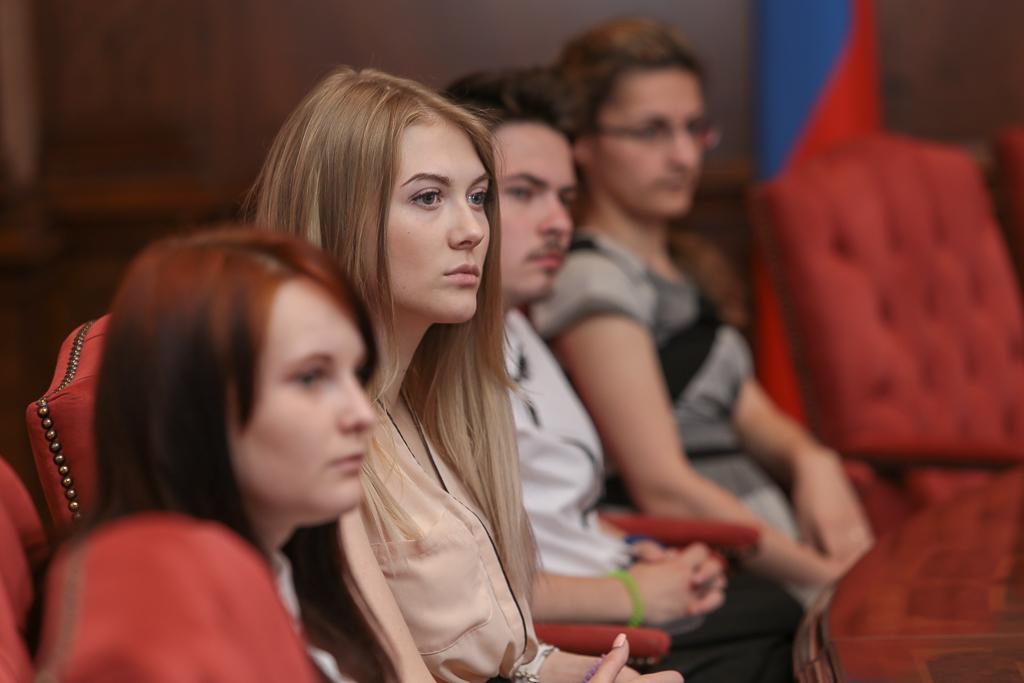Учащиеся школы кадрового резерва побывали на экскурсии в администрации главы Республики Коми