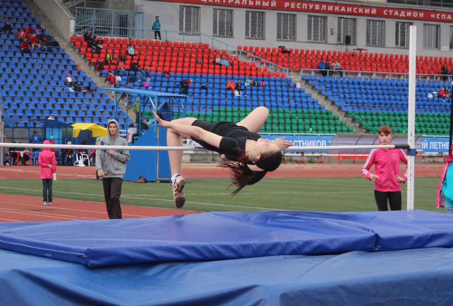 Спортсмены Коми завоевали золотые, серебряные и бронзовые медали в Летнем Чемпионате и Первенстве СЗФО России по легкой атлетике