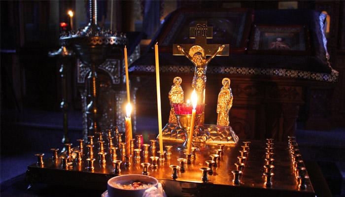 Православные Коми отмечают Троицкую родительскую субботу