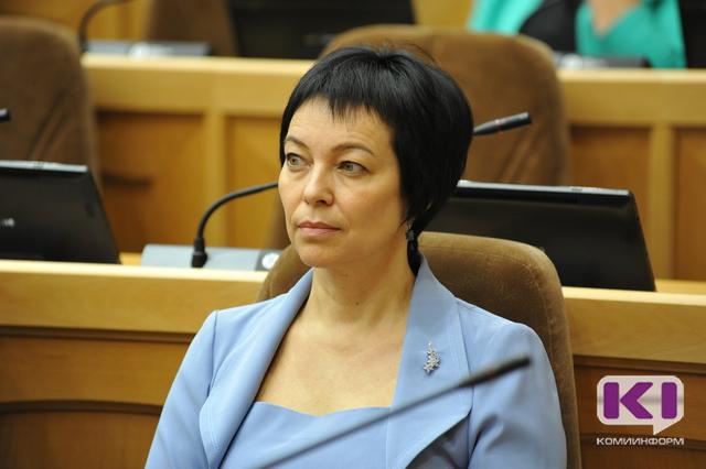 В Коми у чиновников  -  женское лицо