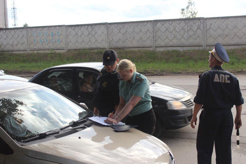 Судебные приставы в Сыктывкаре в ходе рейда арестовали три автомобиля