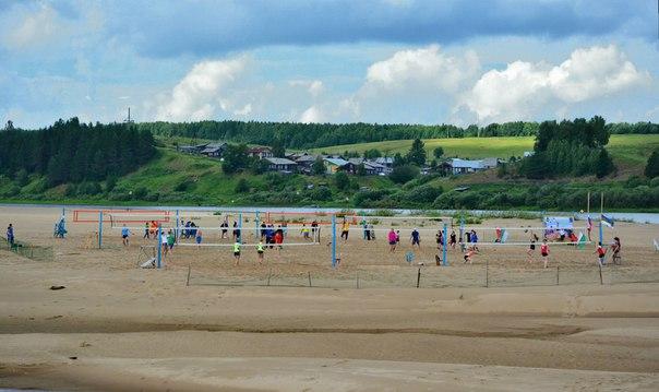 Чемпионами Коми по пляжному волейболу среди мужчин стали ухтинцы, среди женщин - сыктывкарские спортсменки