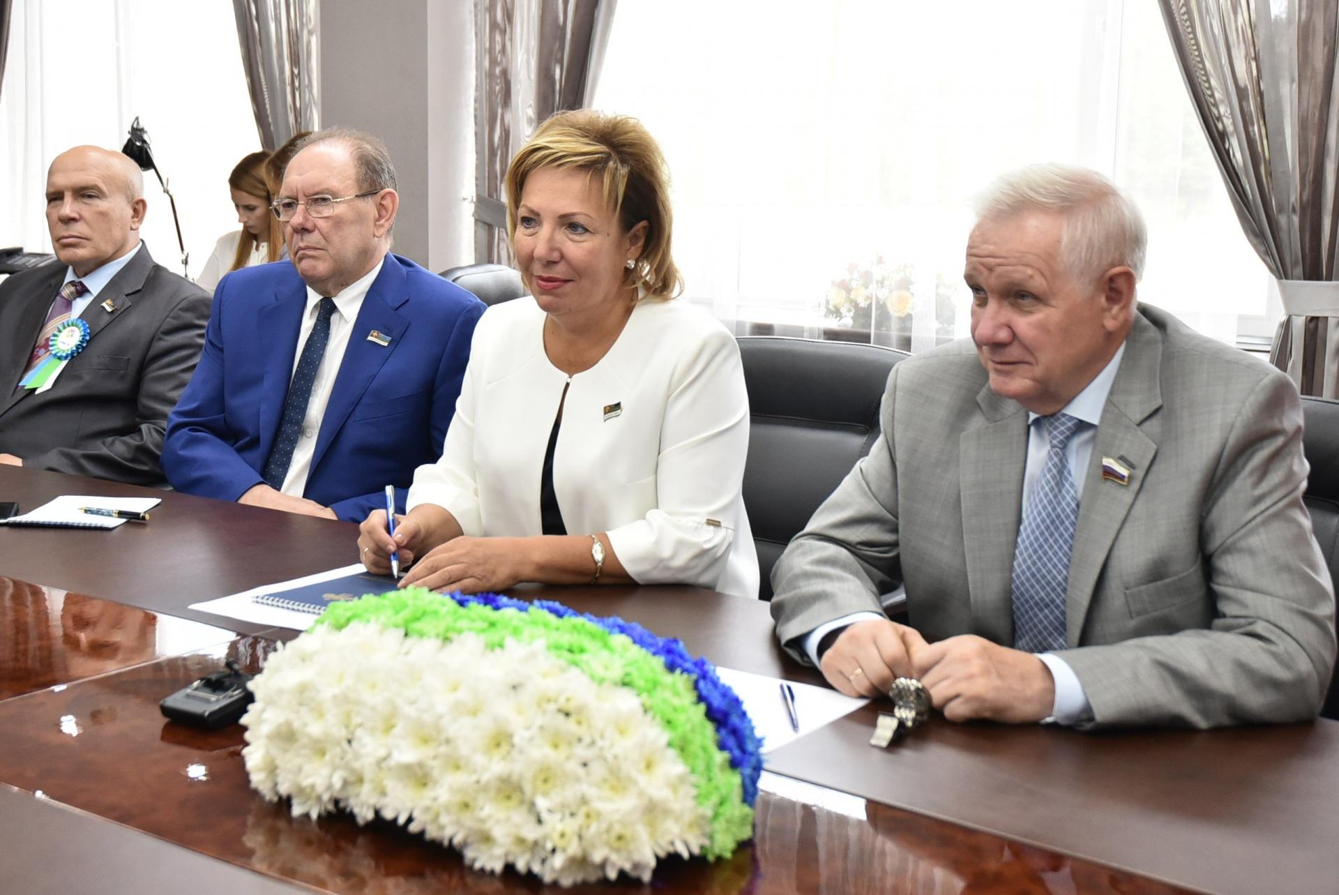 Надежда Дорофеева и Николай Федоров обсудили вопросы межпарламентского взаимодействия