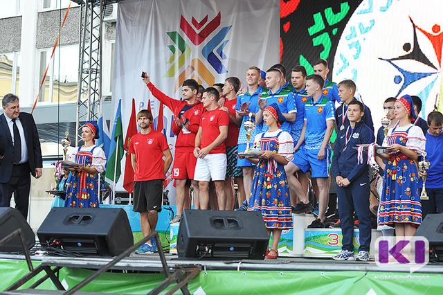 На Стефановской площади торжественно завершился III Всероссийский фестиваль национальных и неолимпийских видов спорта
