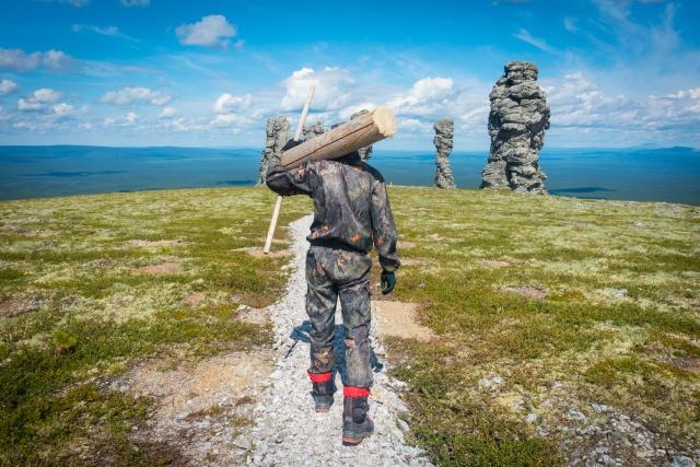 Сыктывкарские студенты обустроили  тропу на плато Маньпупунёр