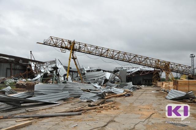 Владелец снесенного смерчем завода пиломатериалов в Сыктывкаре подсчитывает убытки
