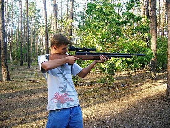 В дачном поселке под Сыктывкаром подросток случайно выстрелил в сестру из пневматического ружья