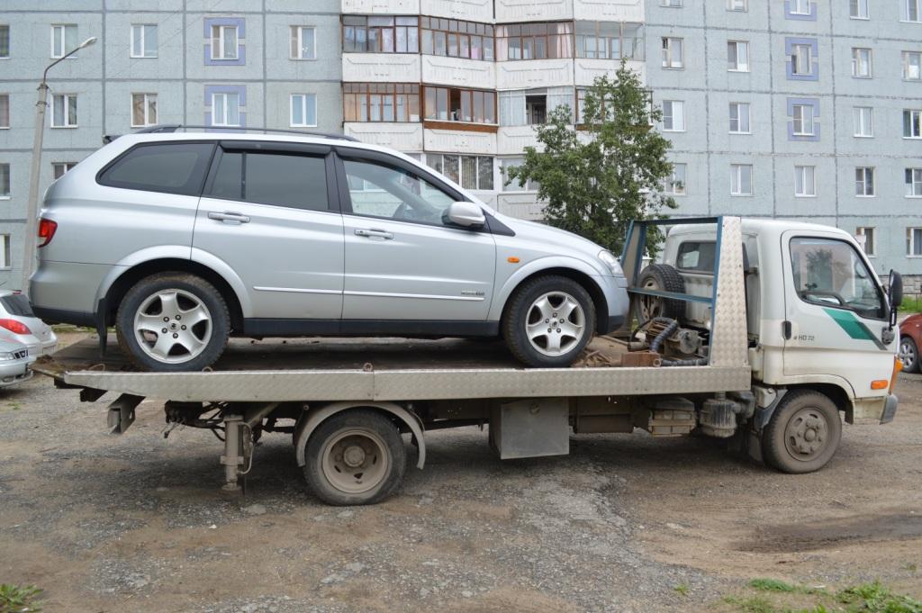 Судебные приставы Эжвинского района арестовали автомобиль сыктывкарца, не оплачивающего кредит и алименты