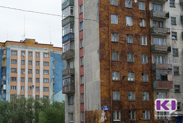 Воркутинец заварил дверь в квартиру с женой и детьми