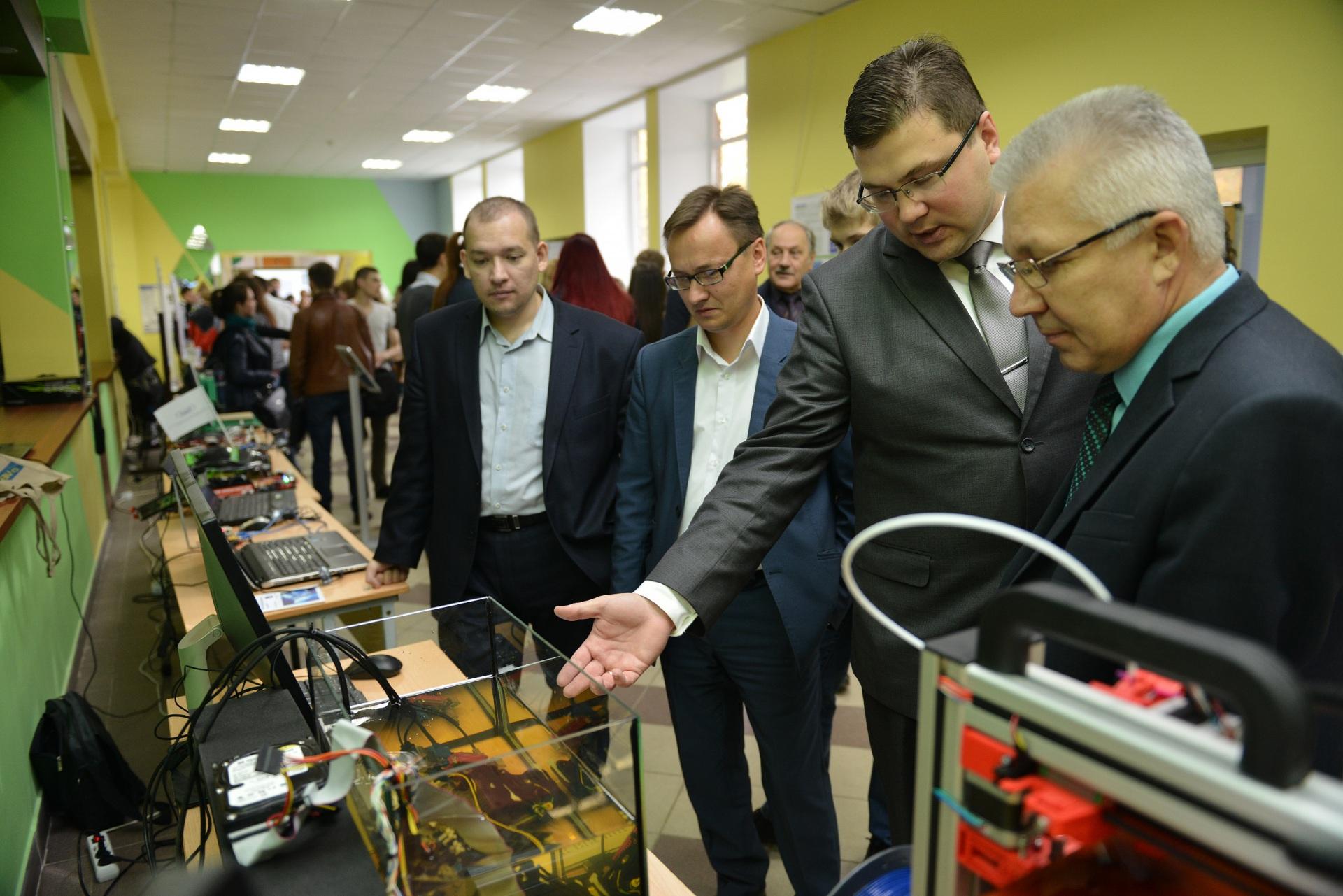 Российские эксперты оценят 40 инновационных проектов СГУ