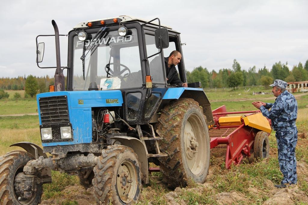V-KP-42-UFSIN-po-Komi-osvoili-mehanizirovannyi-zikl-vyraschivaniya-kartofelya-2.JPG